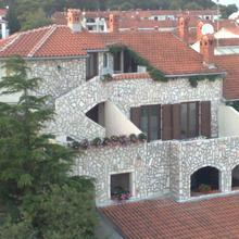 Collins Apartments in Pula
