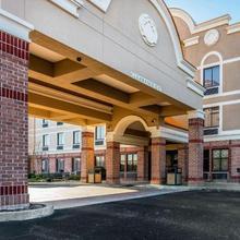 Comfort Inn & Suites Airport-american Way Memphis in Memphis