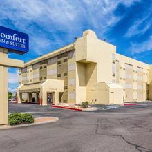 Comfort Inn & Suites Albuquerque Downtown in Albuquerque