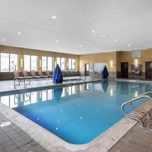 Comfort Inn & Suites Allen Park/dearborn in Detroit