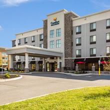 Comfort Inn & Suites Niagara Falls in Niagara Falls