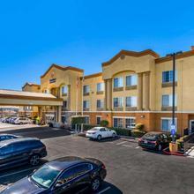Comfort Inn & Suites Sacramento – University Area in Sacramento