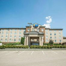 Comfort Inn & Suites Salmon Arm in Salmon Arm