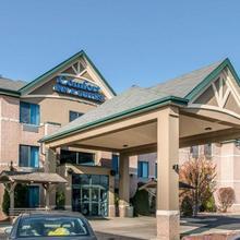 Comfort Inn & Suites Taylor in Dearborn