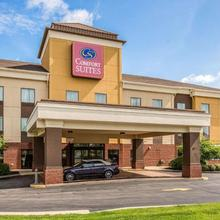 Comfort Suites Fairview Heights in O'fallon