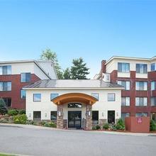 Comfort Suites South Burlington in Burlington