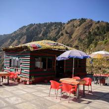 Comfortable Room On Secluded Mountains in Dhanaulti
