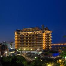 Commodore Hotel Busan in Pusan