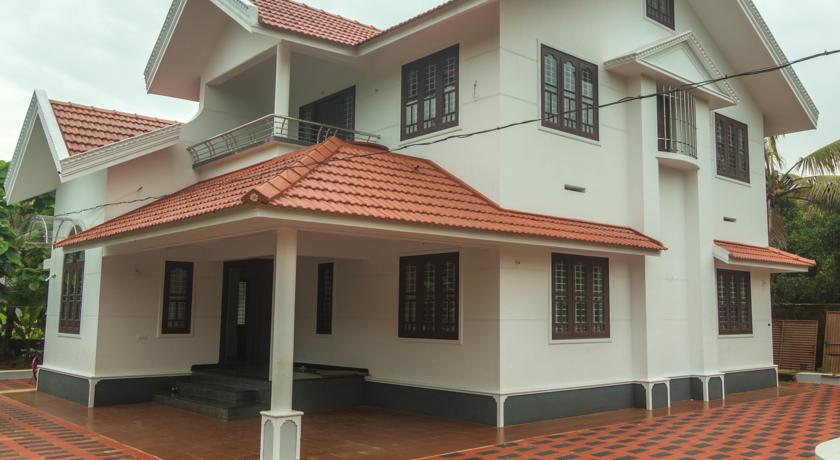 Common Grounds Guest House in Elattur