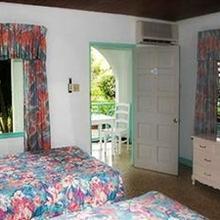 Coral Seas Garden Resort in Negril