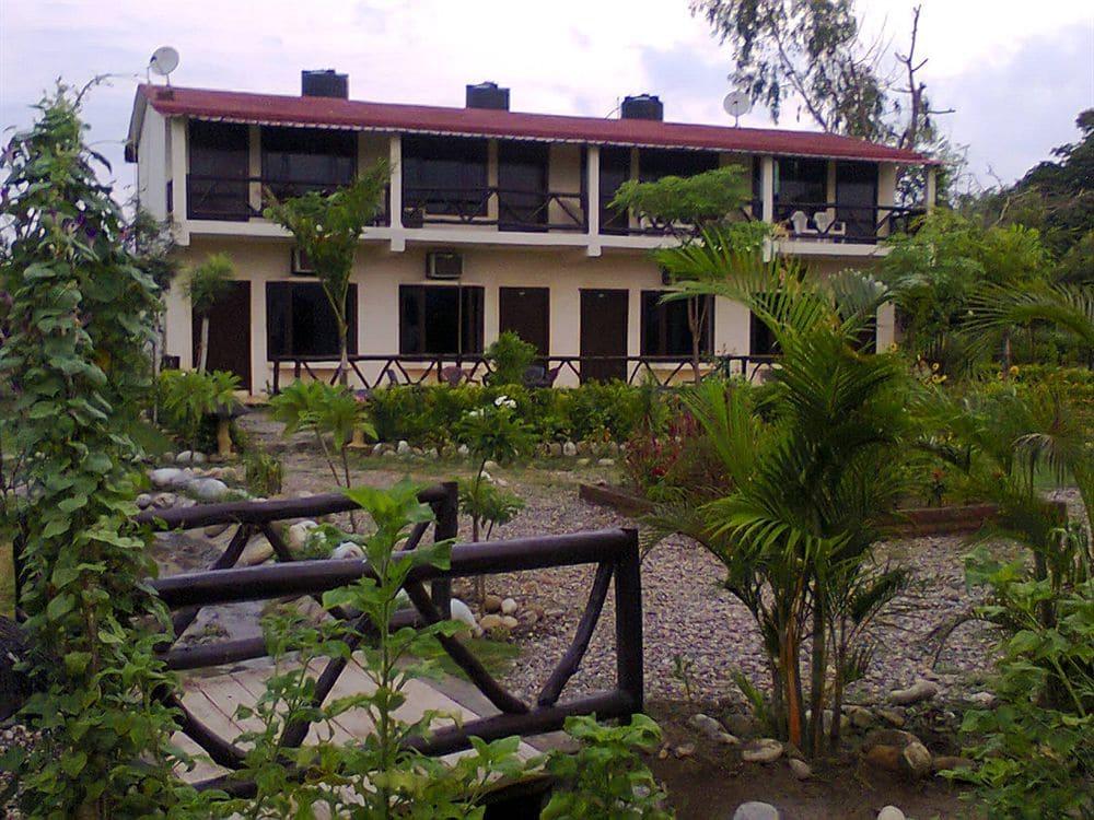 Corbett Comfortable Resort in Ramnagar