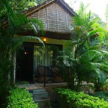 Corbett Wild Iris Spa And Resort in Ramnagar
