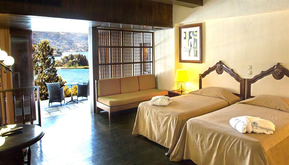 Corfu Holiday Palace Hotel in Kerkyra