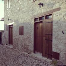 Corner Cottage in Pelendria