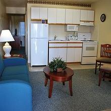 CORPORATE SUITES OF OVERLAND in Roanoke