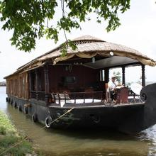 Cosy Houseboats in Alappuzha