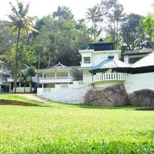 Cottage With A Pool In Munnar, By Guesthouser 36588 in Udumbanshola