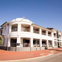Cottesloe Beach Hotel in Perth