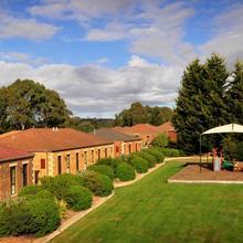 Country Club Villas in Launceston