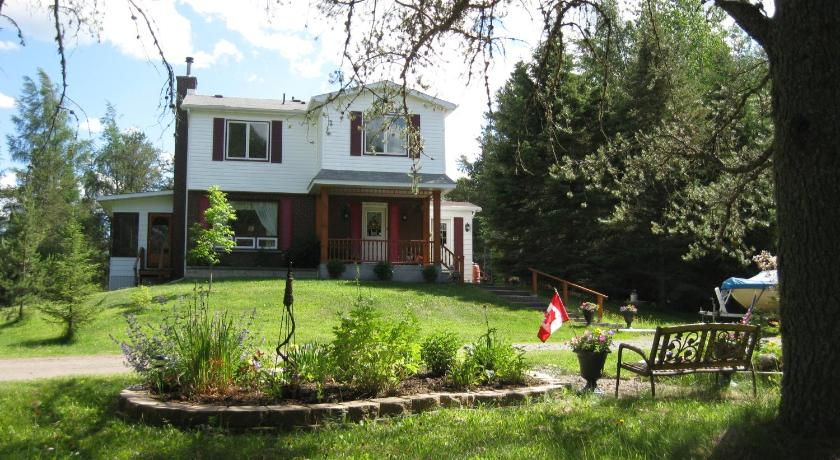 Country Cozy Bed and Breakfast in Thunder Bay