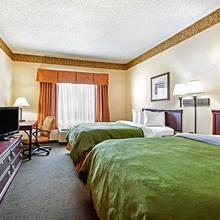 Country Inn & Suites - Augusta in Augusta