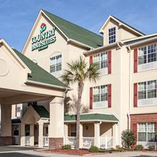 Country Inn & Suites - Brunswick in Demere Park
