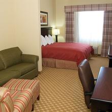 Country Inn Suites Bradenton in Sarasota
