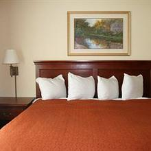 Country Inn & Suites By Carlson, Bentonville-South, AR in Fayetteville