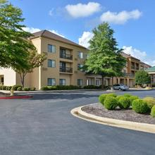 Courtyard By Marriott Bentonville in Rogers