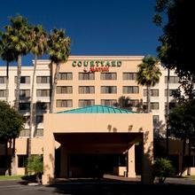 Courtyard By Marriott Cypress Anaheim / Orange County in Anaheim