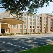 Courtyard by Marriott Gulfport Beachfront in Gulfport