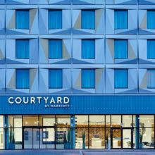 Courtyard By Marriott Luton Airport in Stevenage