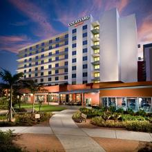 Courtyard By Marriott Miami Airport in Miami