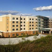 Courtyard by Marriott Pittsburgh Washington/Meadow Lands in Washington