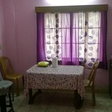 Cozy Apartment in South Kolkata in Natibpur