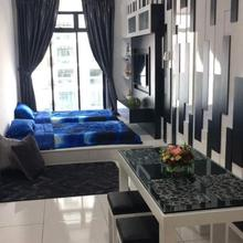 Cozy Suite With Pool View in Johor Bahru