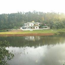 Creekside Cabin in Cherambane