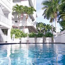 Crest Hotel Suites in Miami Beach