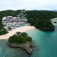 Crimson Resort And Spa Boracay in Caticlan