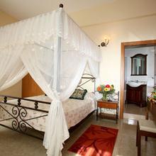 Crown Inn Hotel in Nicosia