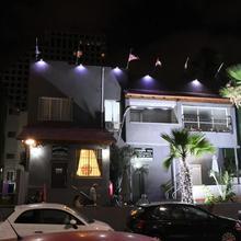 Crown Sea Hostel in Tel Aviv