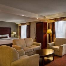 Crowne Plaza Hotel Hamilton in Hamilton