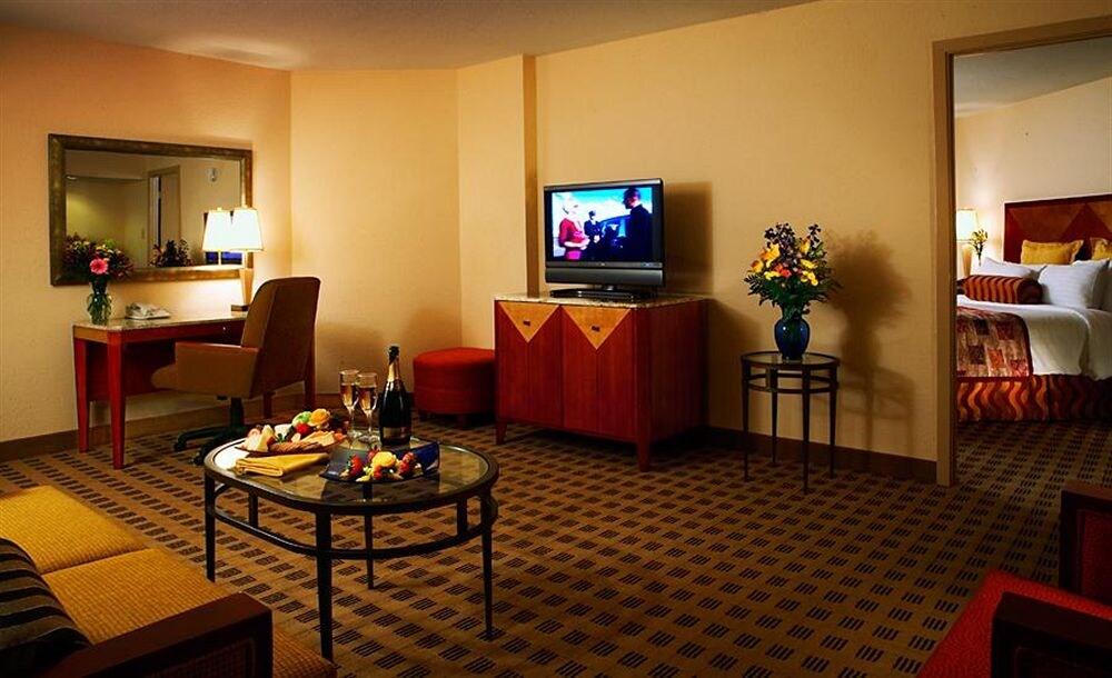 Crowne Plaza Hotel Houston River Oaks in Houston