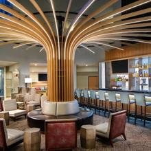 Crowne Plaza Portland - Lake Oswego in Portland