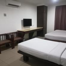 Crystal Lodge in Kota Baharu
