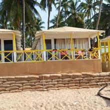 Cuba Premium Huts in Pololem