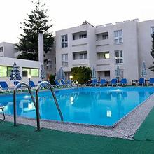 Daphne Hotel Apartments in Paphos