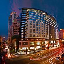 Davinci Hotel On Nelson Mandela Square in Johannesburg