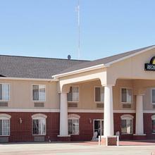 Days Inn & Suites Clayton in Clayton