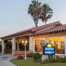 Days Inn By Wyndham Camarillo - Ventura in Port Hueneme
